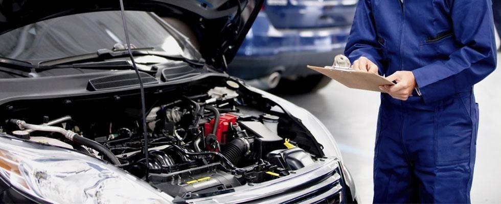 riparazione di un'autovettura