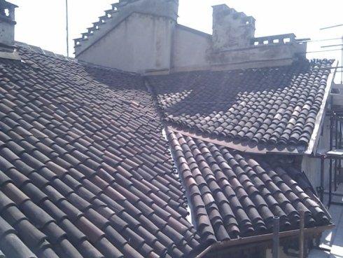 lavori di impermeablizzazione, coperture per tetti, costruzioni