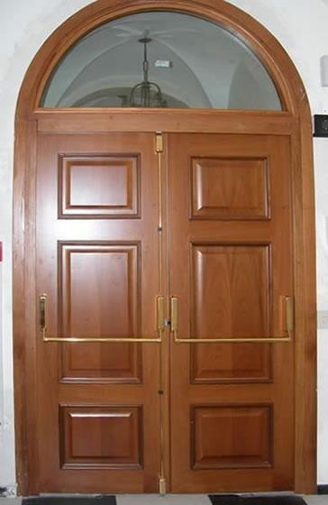 Portoni sicurezza legno