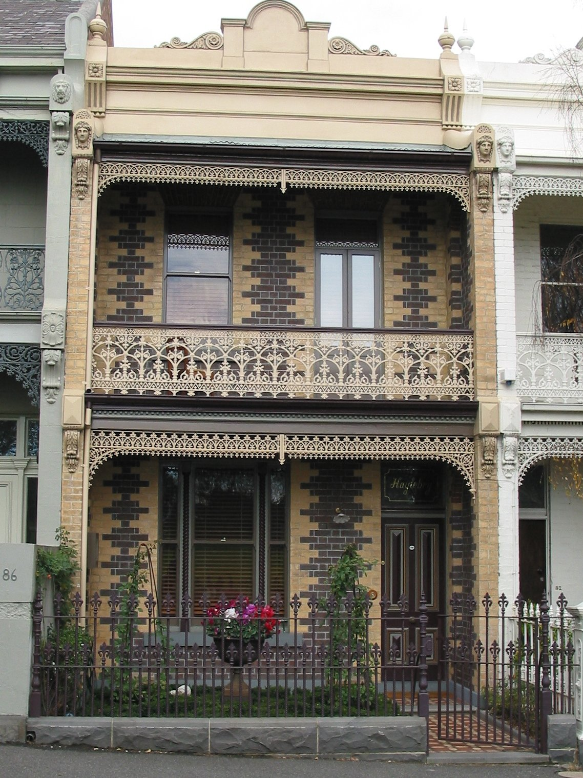 Cast iron fence with balustrades