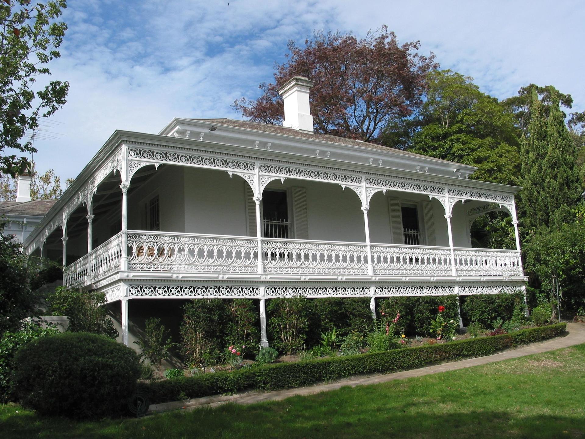 Cast iron Victorian verandah and balcony by Perry Bird Pickets