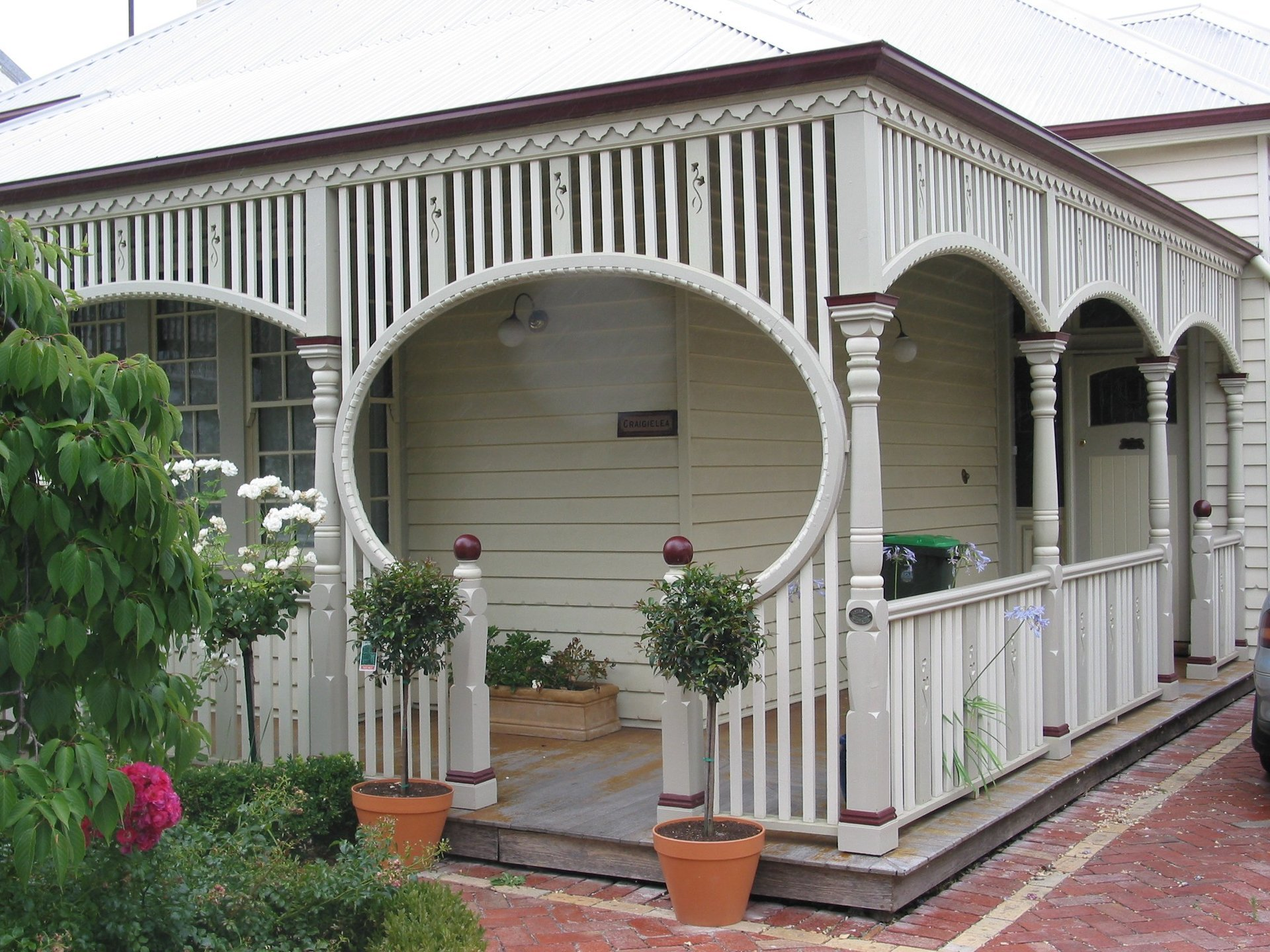 Timber verandah with fretwork by Perry Bird Pickets