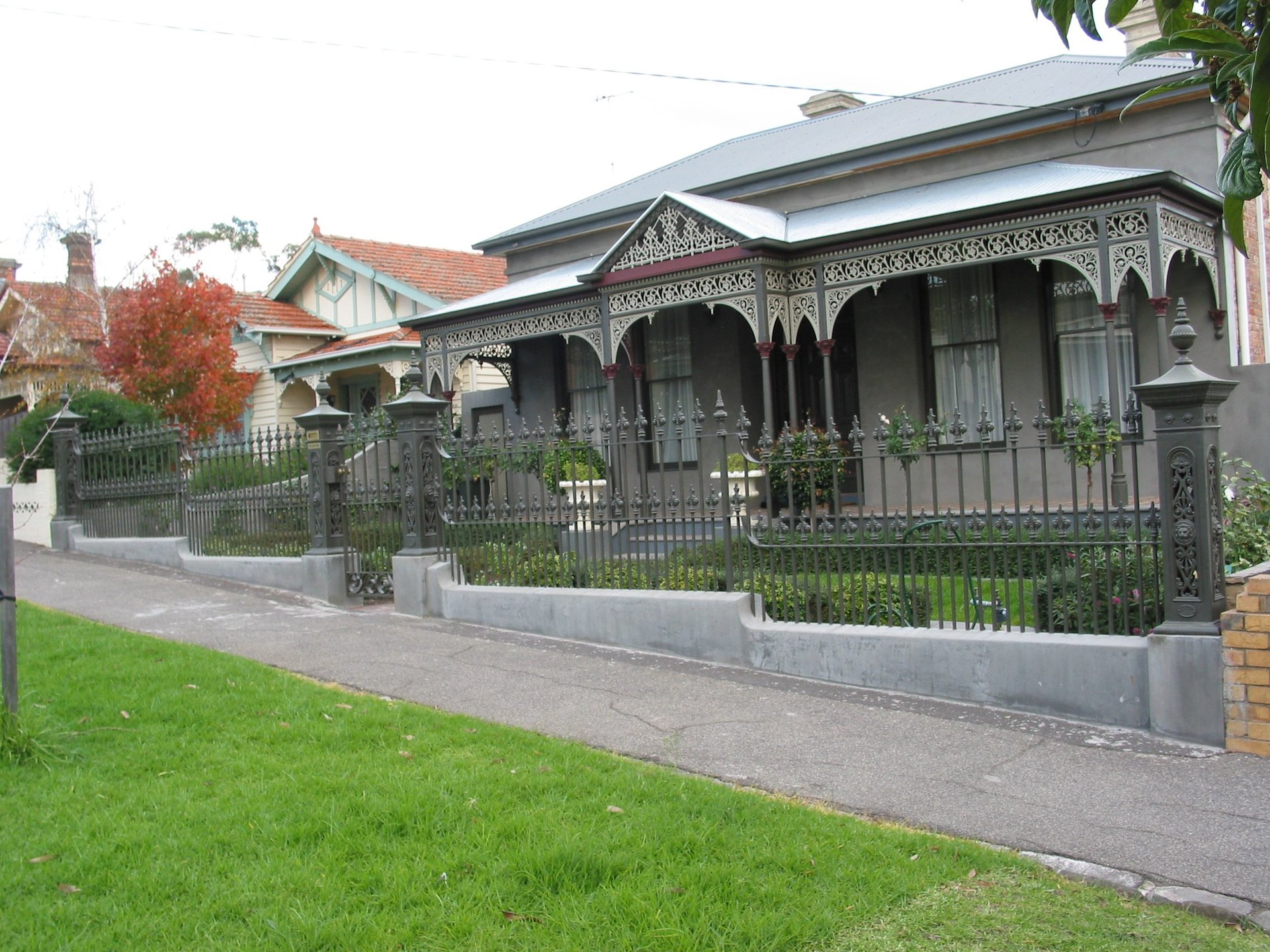 fence and verandah on fron of home