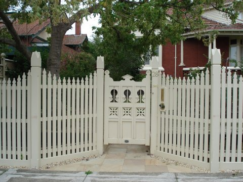 white picket fence and feature gate in Melbourne