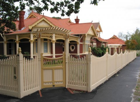 picket fence on an angle