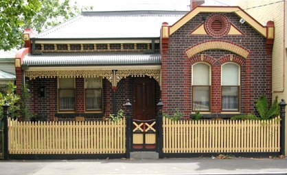 picket fence designed for traditional style house