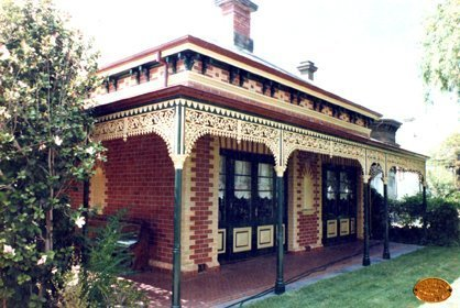 cast iron fencing and detail on verandah