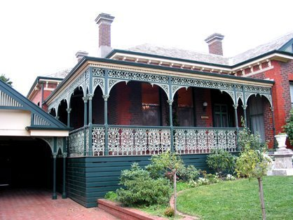Edwardian cast iron verandah and lacework by Perry Bird Pickets
