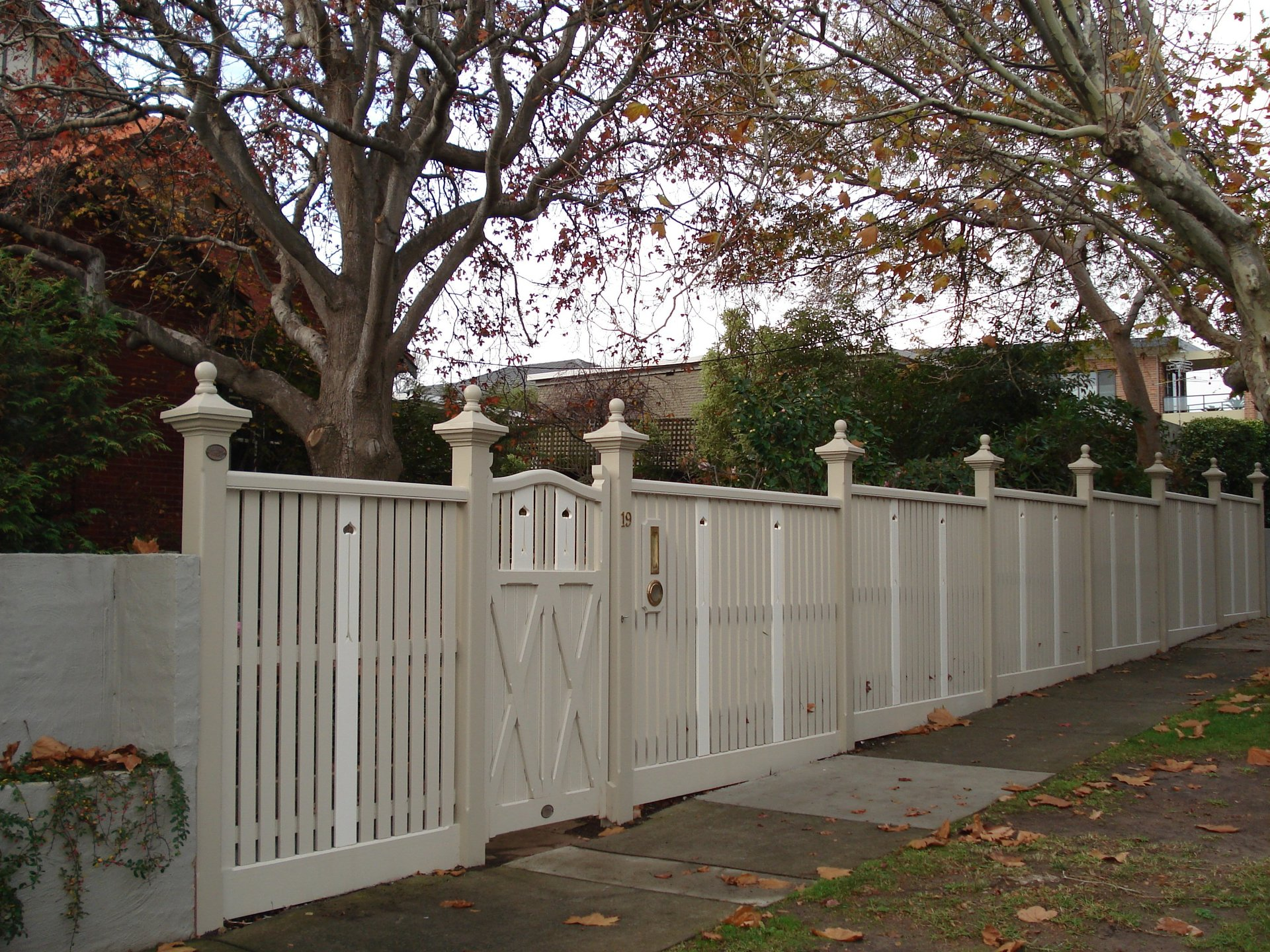Timber picket fence and feature gate by Perry Bird Pickets