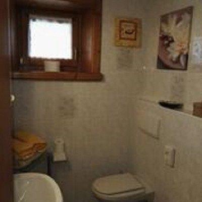 interno baita bagno