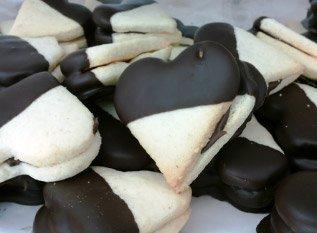 pasticcini alla vaniglia e cioccolato a forma di cuore