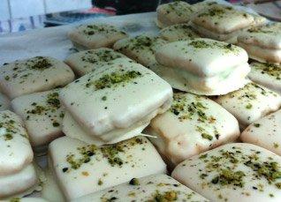 dolci secchi con scaglie di pistacchio