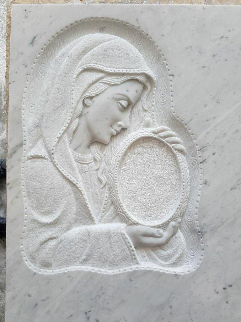 sculture in pietra