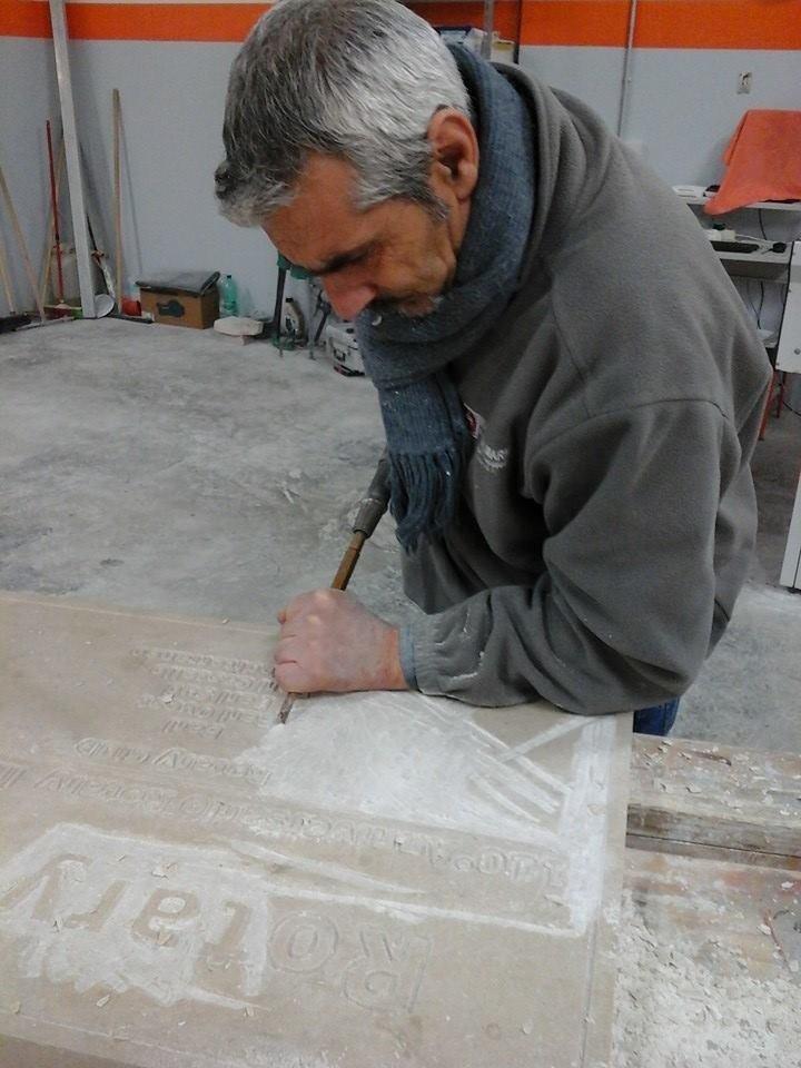 incisione su marmo