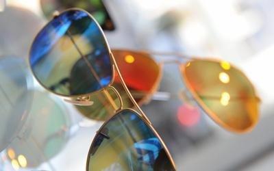 occhiali da sole a specchio