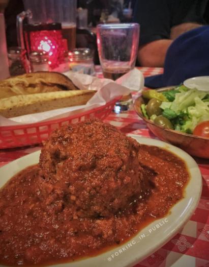 lasagna italian food