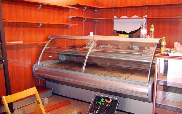 Realizzazione banco frigo botteghe a Castelvetrano