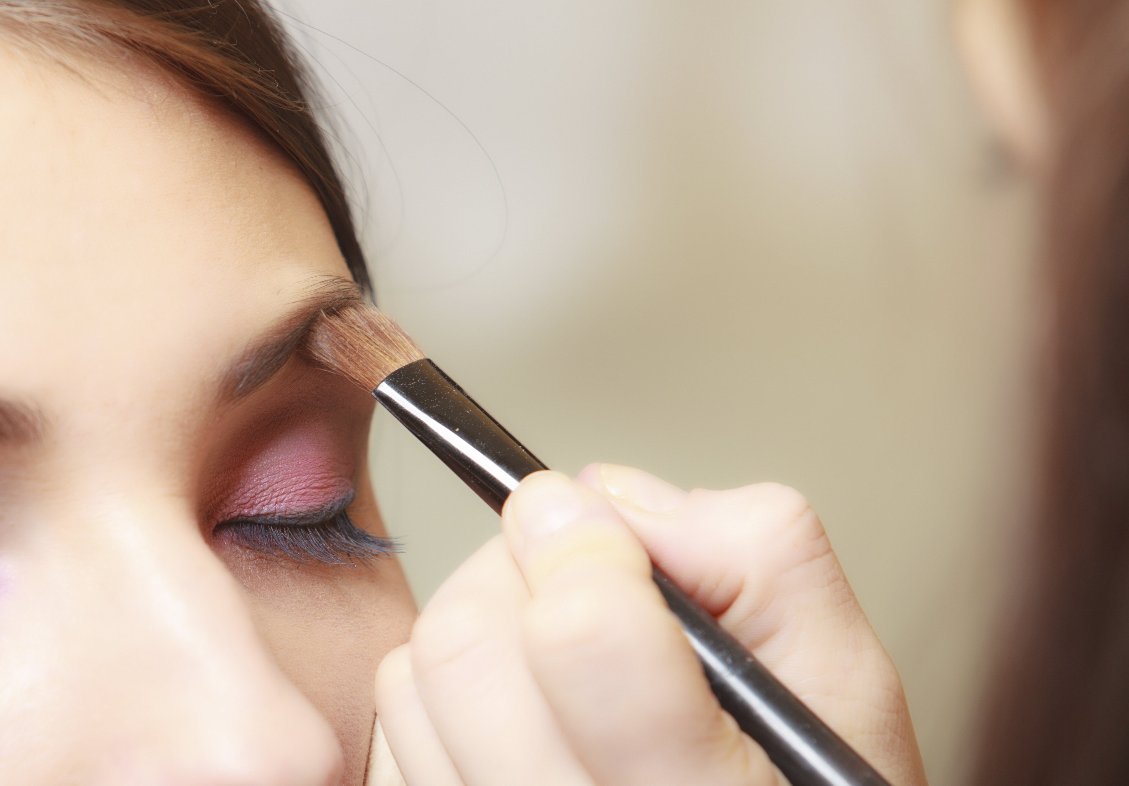 instructions on eyelash application & eyebrow tinting