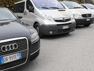 taxi-mini-bus