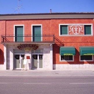 venturini romano tinteggiature - facciata trattoria