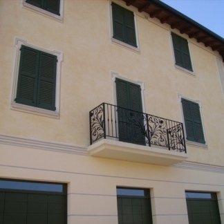 venturini romano tinteggiature - facciata decorata