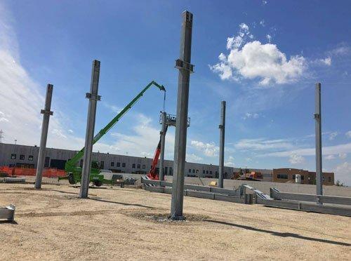 dei pali strutturali  in ferro