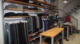 maglioni, jeans, abbigliamento invernale
