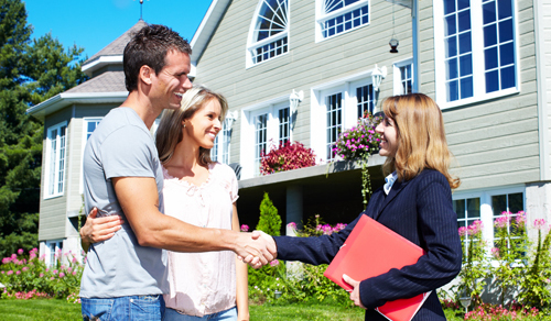 Couple with a real estate lawyer in Wailuku, HI