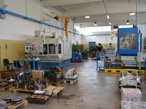 Industrial gear manufacturing