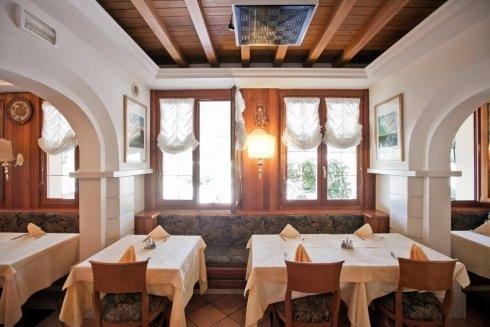 ristorante pizzeria saraceno - sala interna