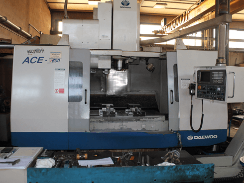 Daewoo Ace W-600, x1200, y700, z700, completo di divisore a CNC.