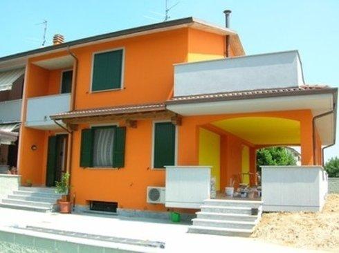 edificio arancione