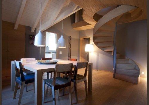 delle scale a chiocciola in legno