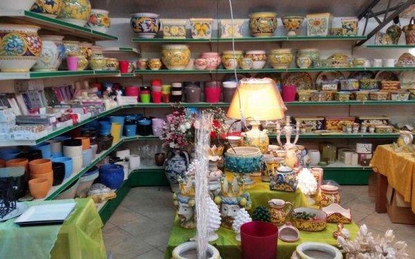 vasi in ceramica dipinti