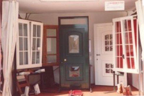 Esposizione di porte e finestre