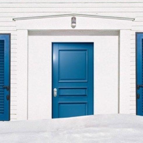 porta blu acceso