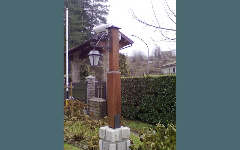 Palo della luce in legno