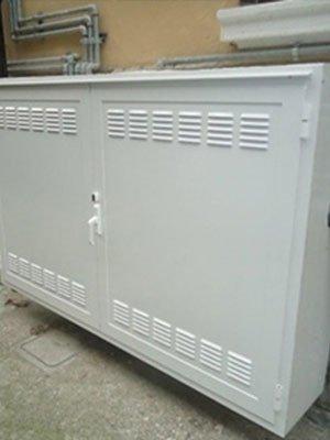 armadio in ferro bianco laminato