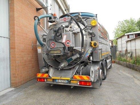Carico e trasporto rifiuti