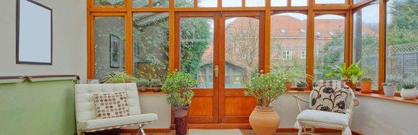 Vintage tan wood conservatory