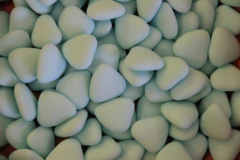 confetti azzurri a forma di cuore