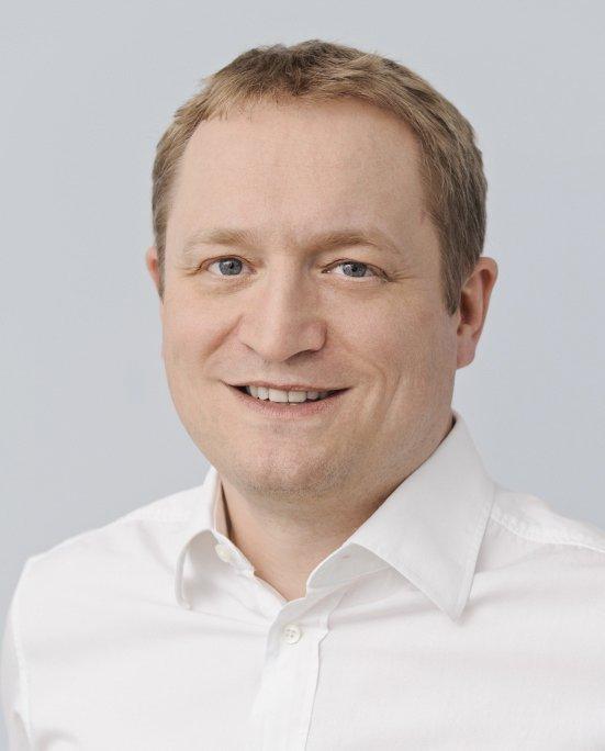 Dr. Thomas Schmidbauer, Zahnarzt in Dingolfing: Ästhetische Zahnheilkunde mit Bleaching, Veneers, weißen Zahnfüllungen und mehr