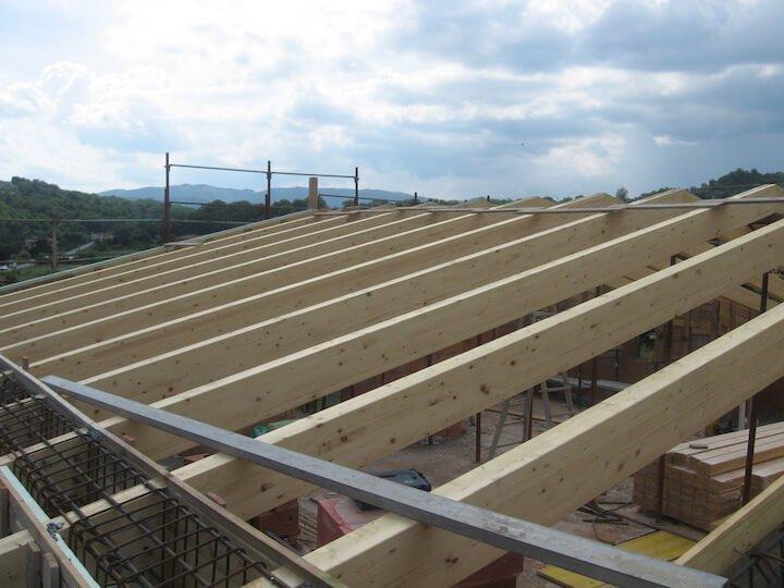 travi di legno del tetto