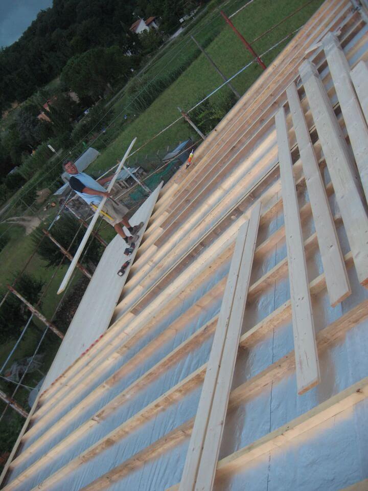travi per rinforzare il tetto