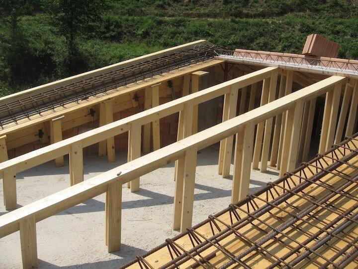 travatura di legno