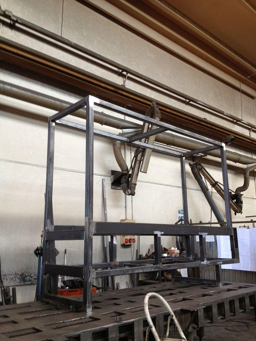 carpenteria lavora metallo
