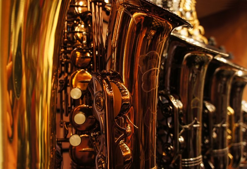 Saxophones in storefront