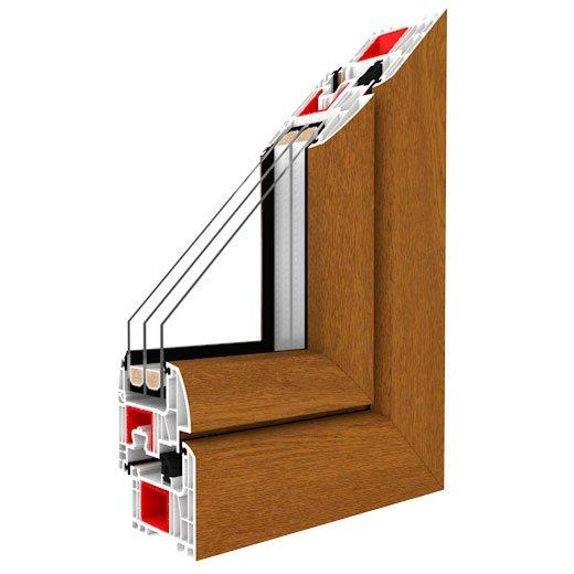 rifinitura a L in legno scuro di una finestra