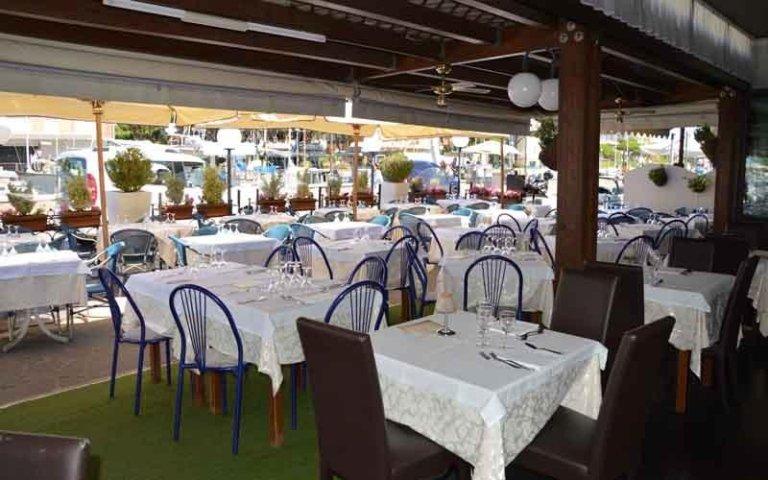 tavoli ristorante cervia
