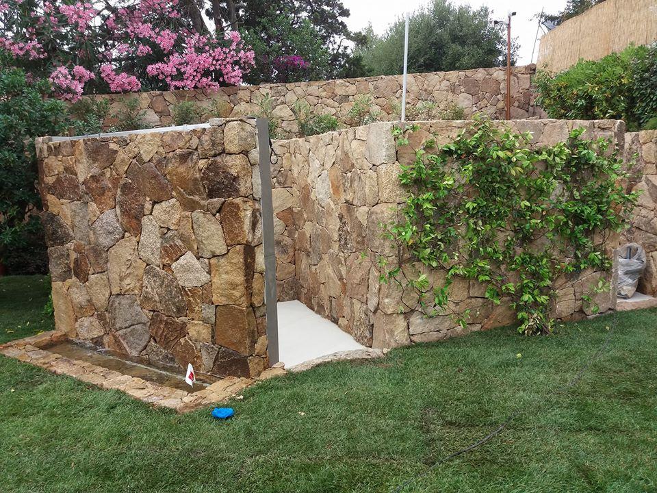 Rivestimenti in pietra padru olbia tempio edil service - Cabina doccia da giardino ...